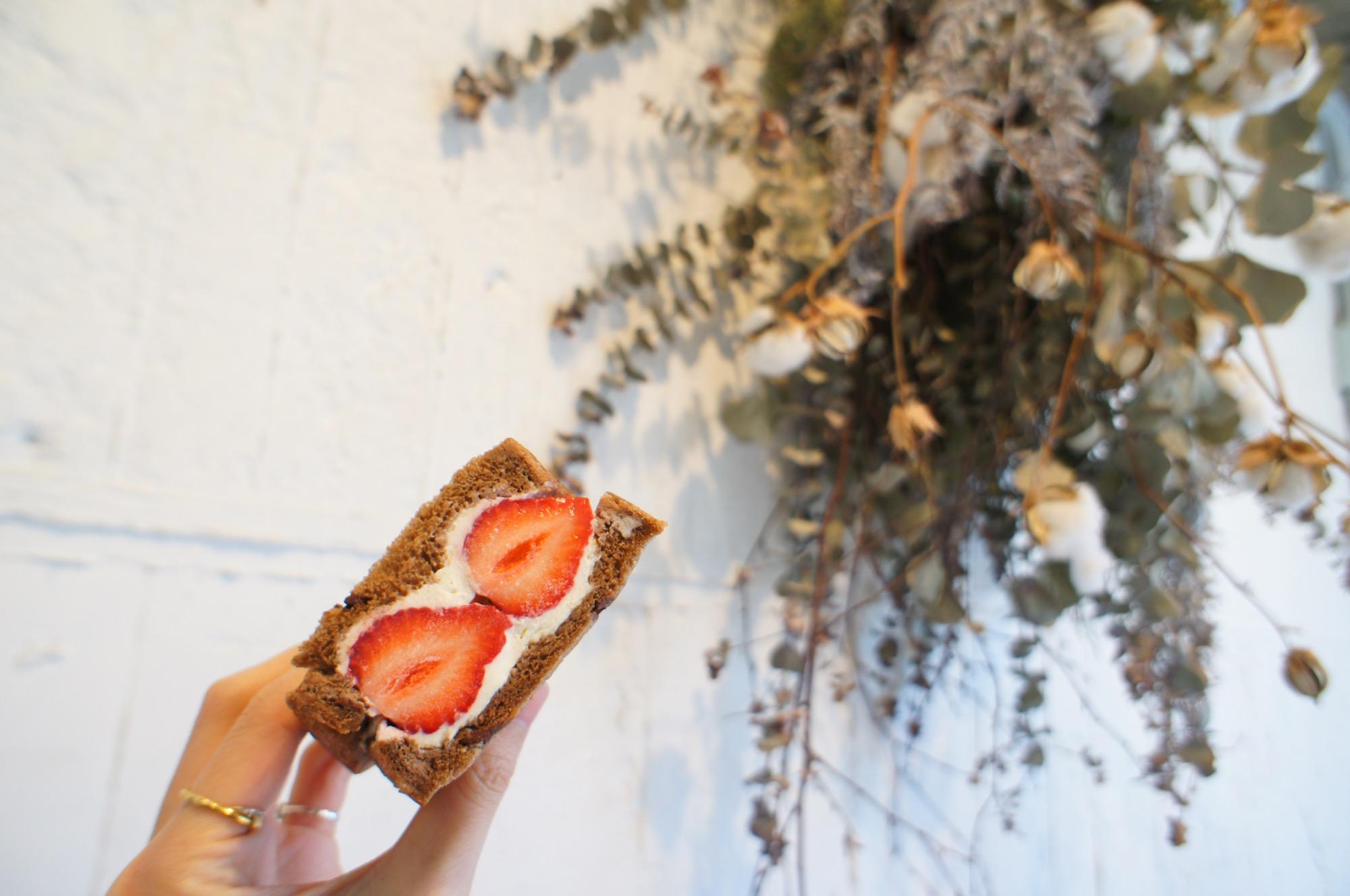 《ご当地MORE✩東京》食パン専門店❤️【VIKING BAKERY F】の絶品あまおう苺サンドイッチ☻_2