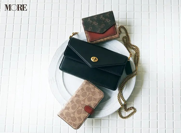 コーチのミニ財布、マルチ財布、カード入れ付きスマホケース