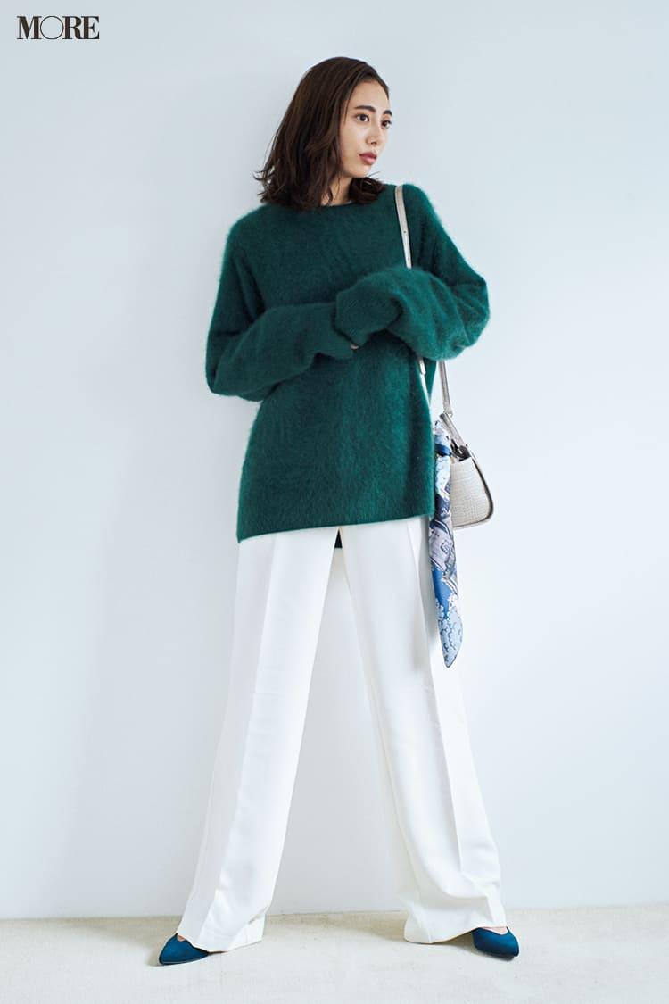 白ニットコーデ【2020冬〜春】- 着膨れしない細見えテクニックなど、白い服の最旬レディースコーディネートまとめ_47