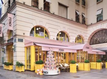 『フェンディ』のカフェ「FENDI CAFFE by ANNIVERSAIRE」が表参道に期間限定でオープン中!PhotoGallery