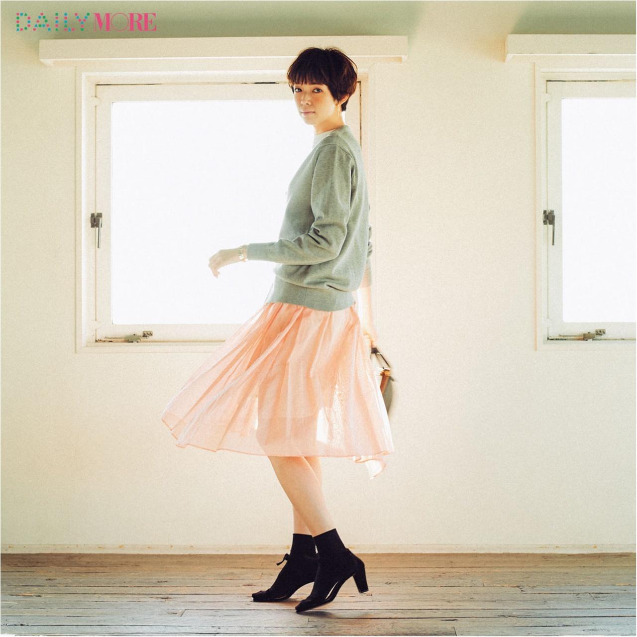 【今日のコーデ/佐藤栞里】ピンクのスカートで春めく水曜日。_1