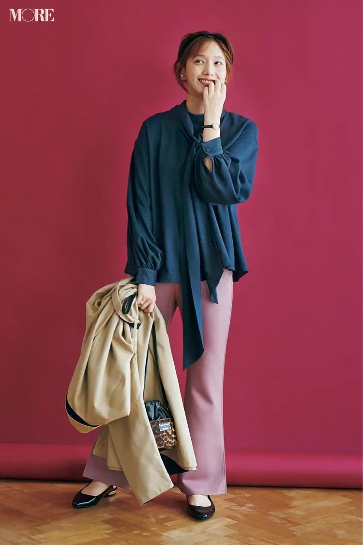 【2020秋コーデ】きれい色の美脚パンツ×とろみ素材の上品ブラウスで好感度抜群に