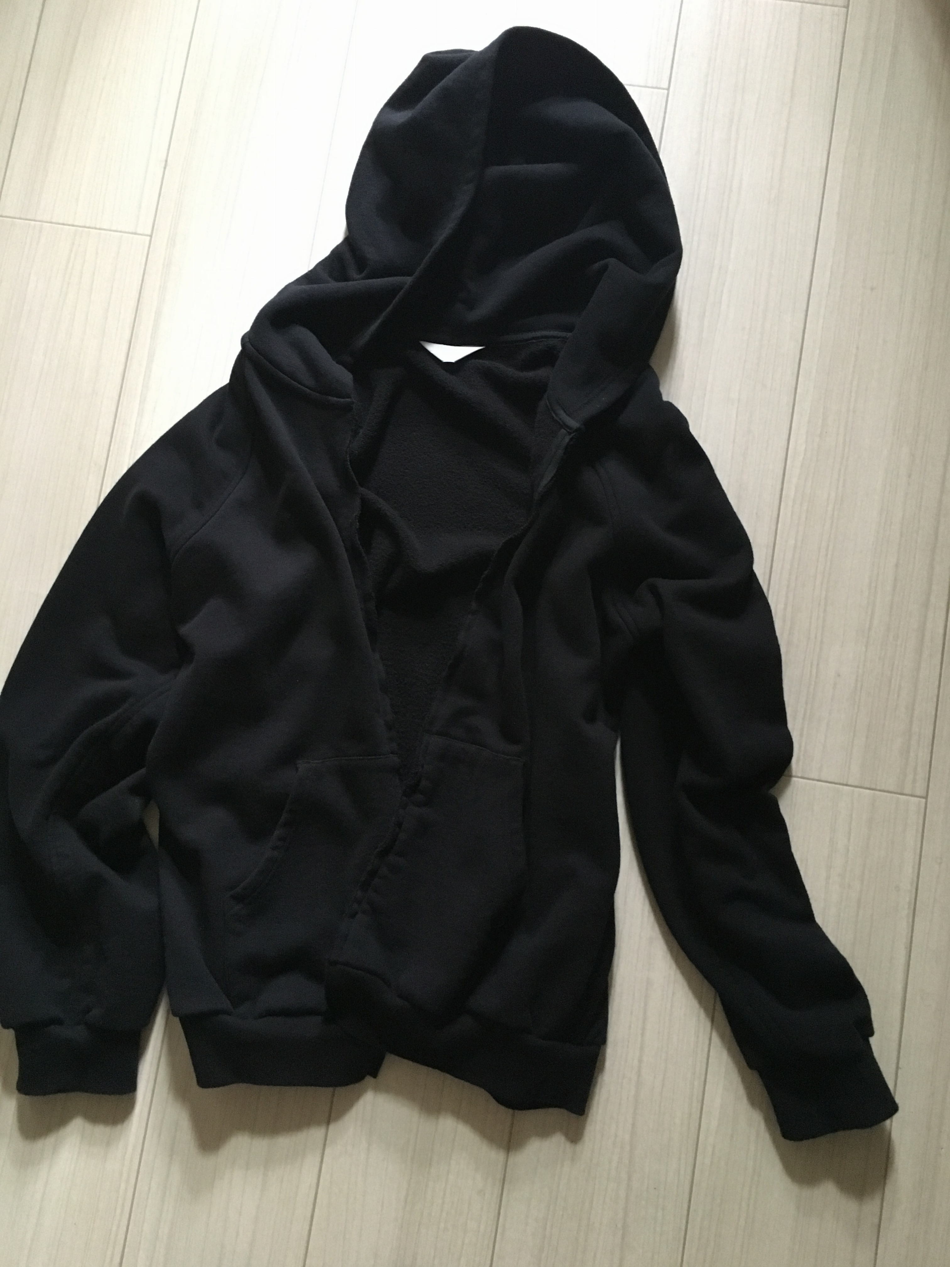 """きれい色がトレンドだからこそ欲しい。使える""""黒""""の服。_2"""