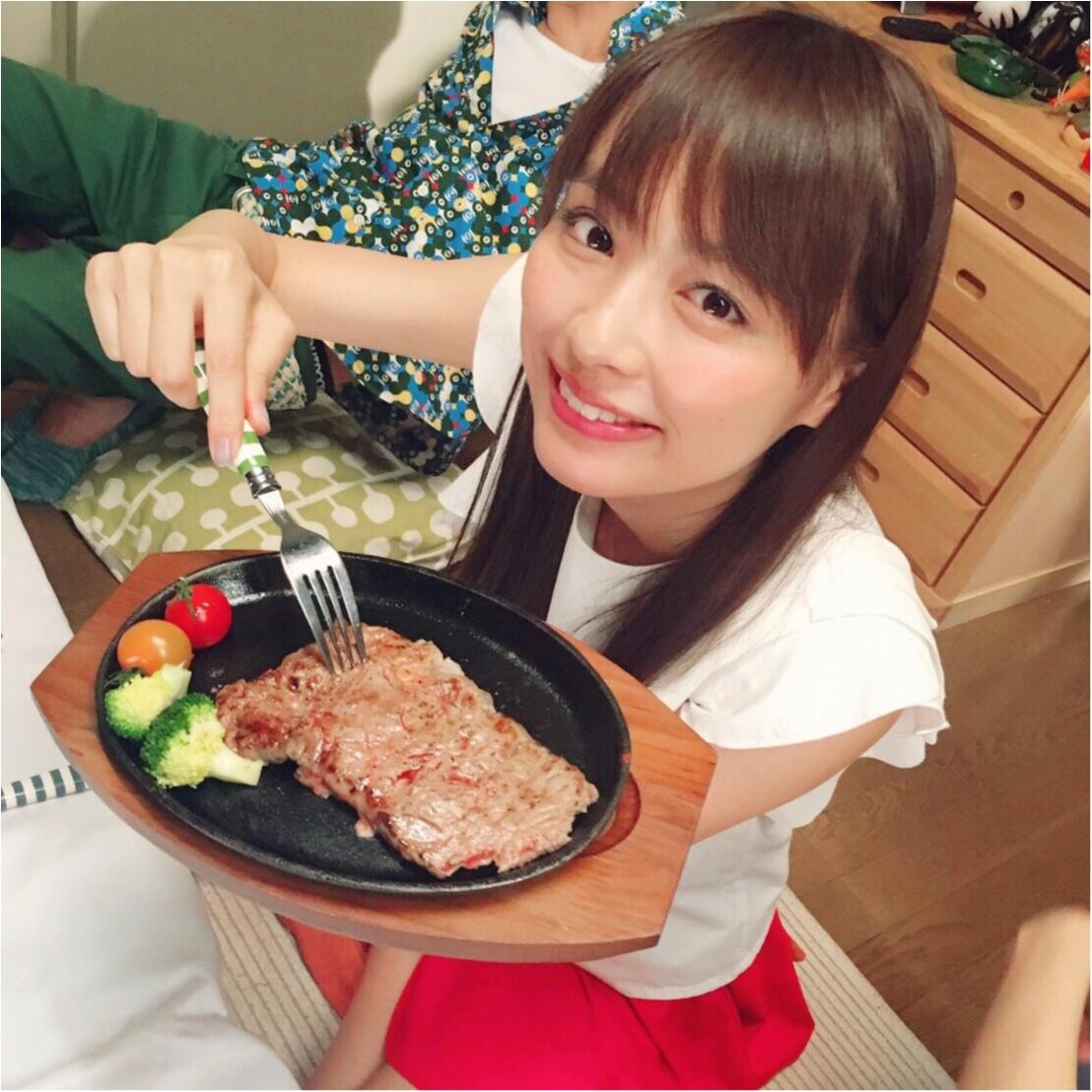 内田理央、ステーキはナイフで切らずに食べる!? _1