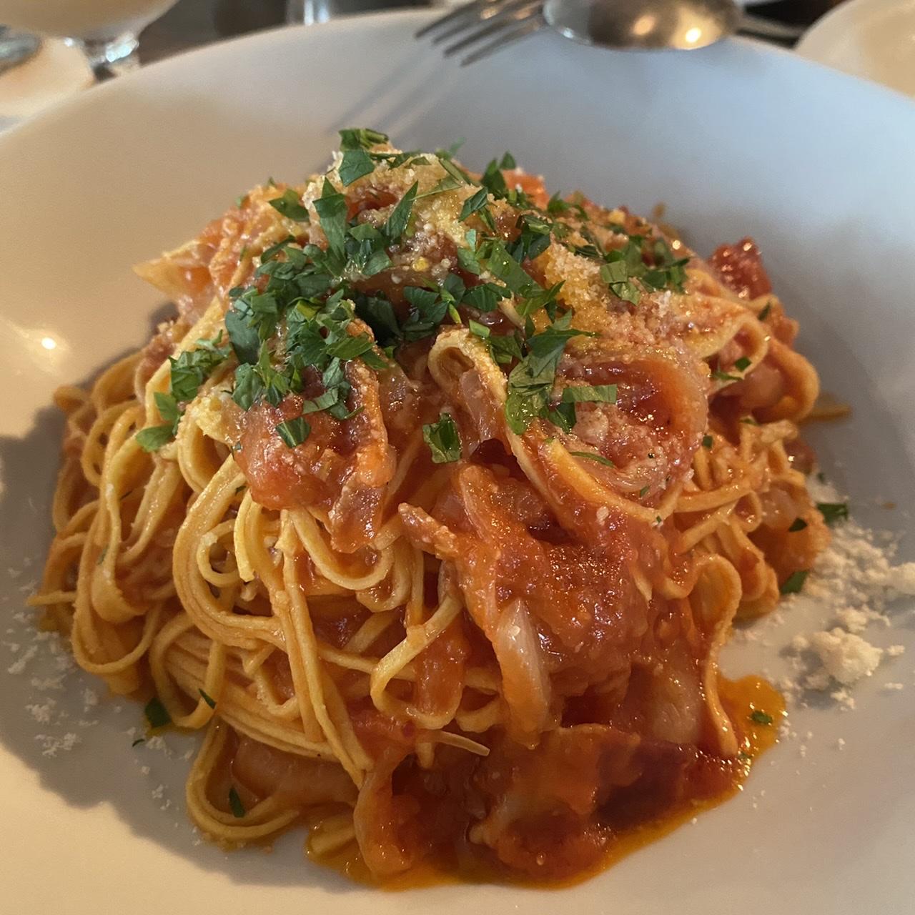 代官山のIVY PLACEのスパゲティトマトのアマトリチャーナ