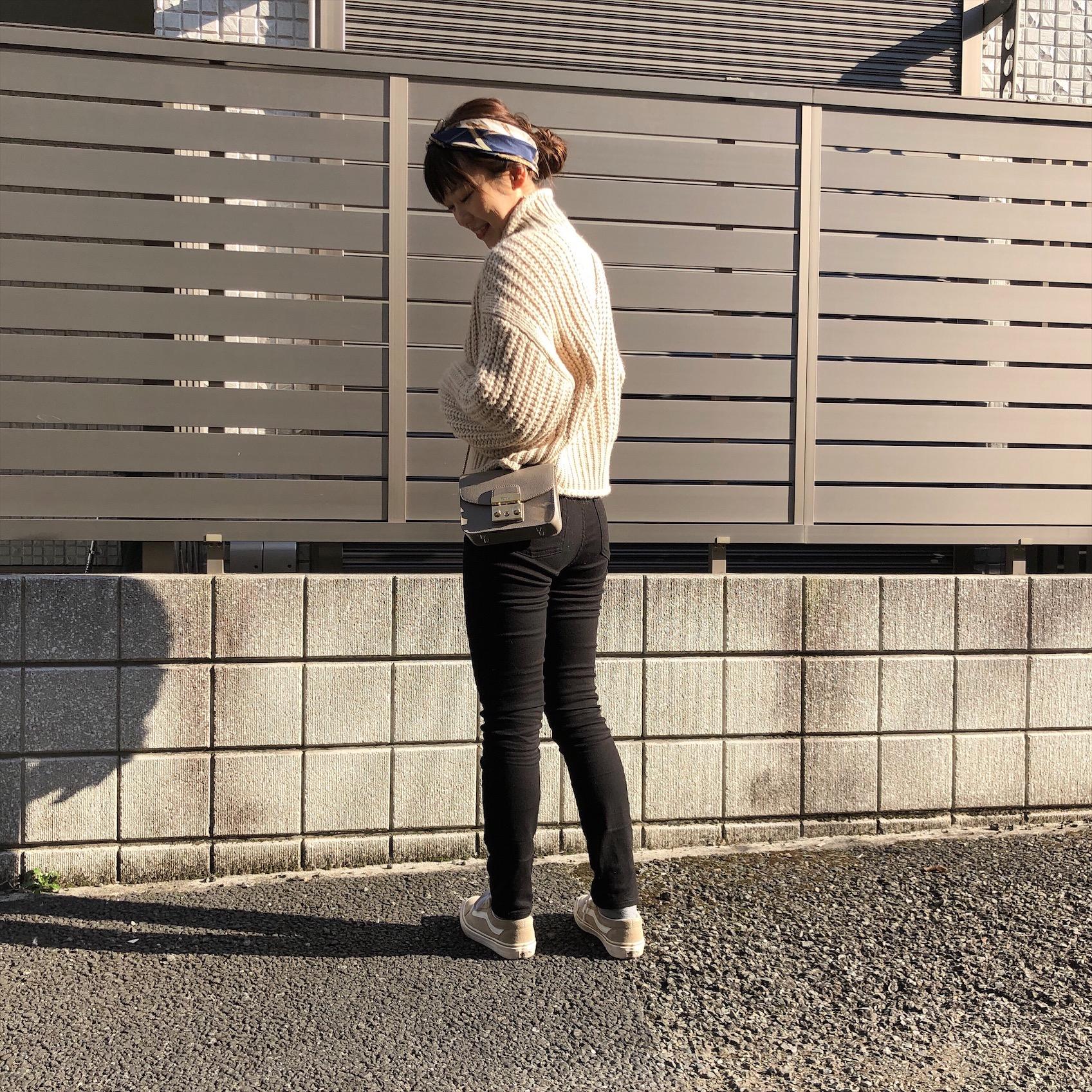《アヤサンポ》Uniqlo Uの神デニムや、H&Mの暖かニットまで!スカーフアレンジやヘアアレンジも♡_3