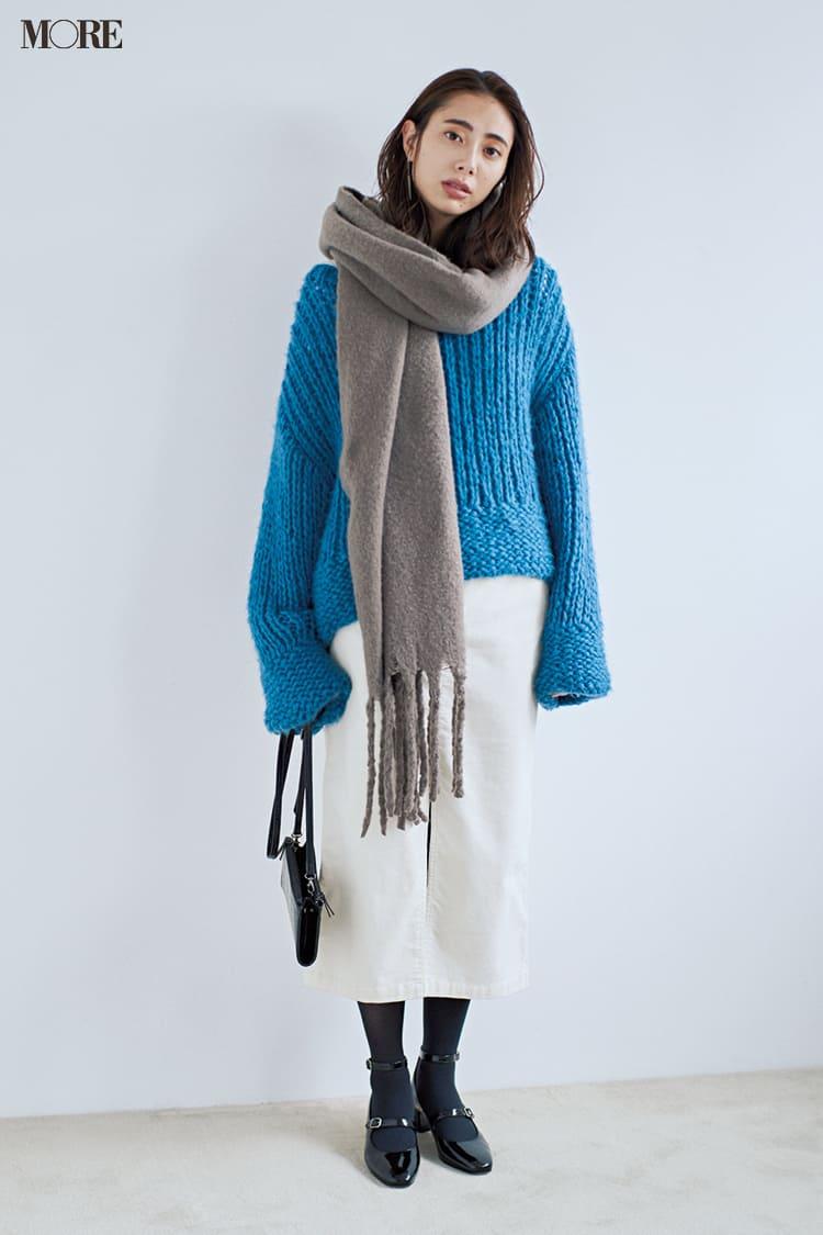 白ニットコーデ【2020冬〜春】- 着膨れしない細見えテクニックなど、白い服の最旬レディースコーディネートまとめ_49