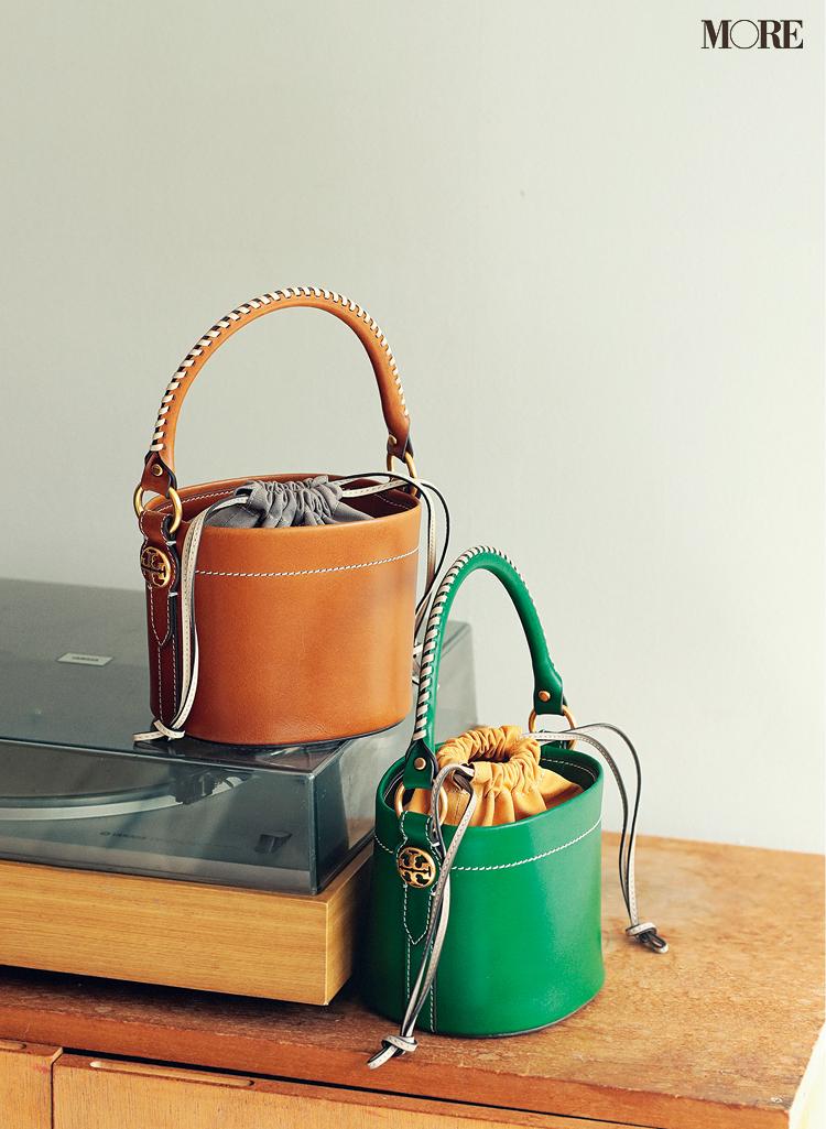 『トリー バーチ』のバッグ、『セイコー×シンゾーン』の腕時計。スタイリスト石田 綾さんが心踊るホリデーアイテム☆_2