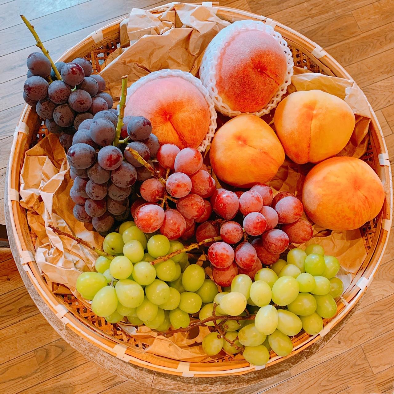 【おすすめカフェ】旬の《桃がまるごと&葡萄がたっぷり》詰まったジューシーなパフェ♡_10