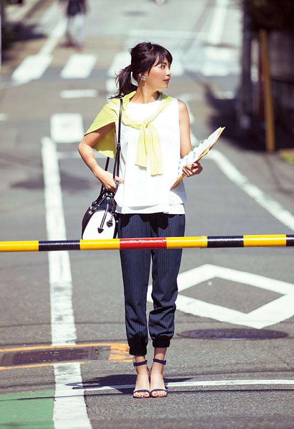 【今日のコーデ】できるオンナのストライプパンツで、真夏日のクールビズスタイルが完成!_1