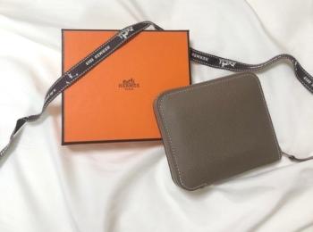 【20代女子の愛用財布】『エルメス』のコンパクト財布が人と被らない♡