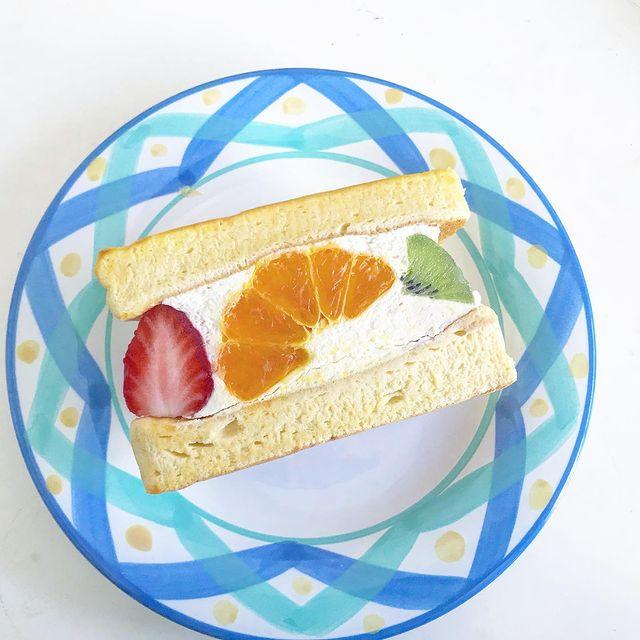 千葉県姉ヶ崎のカフェで人気のパンケーキのフルーツサンド