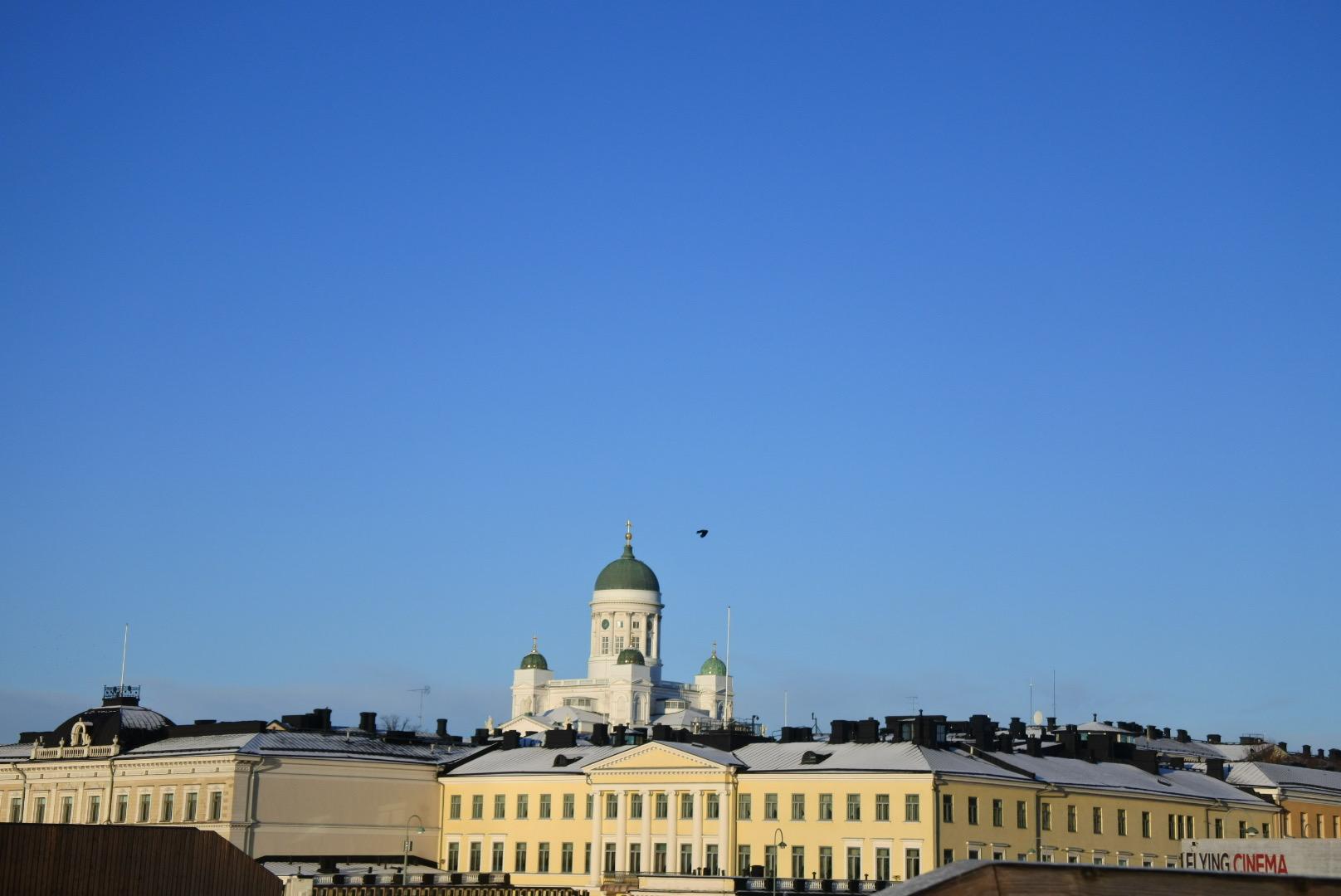 ヘルシンキ大聖堂が見える朝の絶景写真