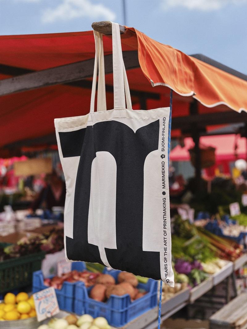 マリメッコ70周年記念、ノベルティのトートバッグ