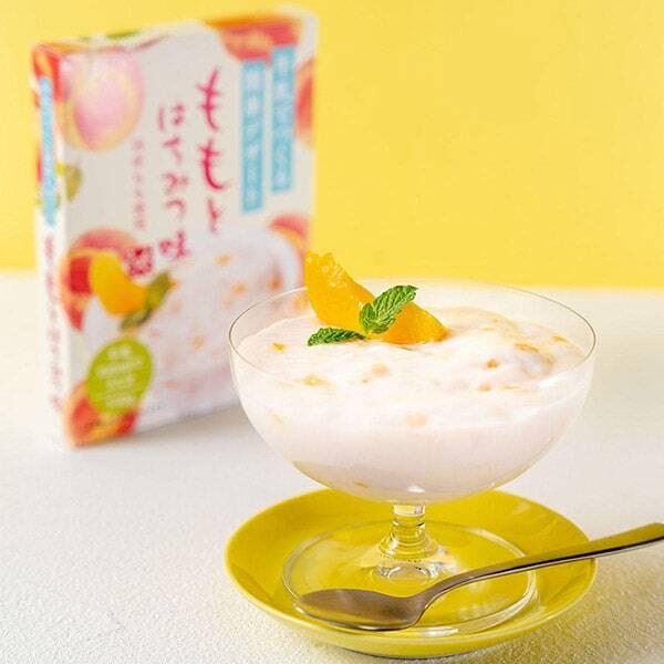 【カルディ】夏のおうちカフェにおすすめの「もへじ 牛乳でつくる簡単デザート ももとはちみつ味」