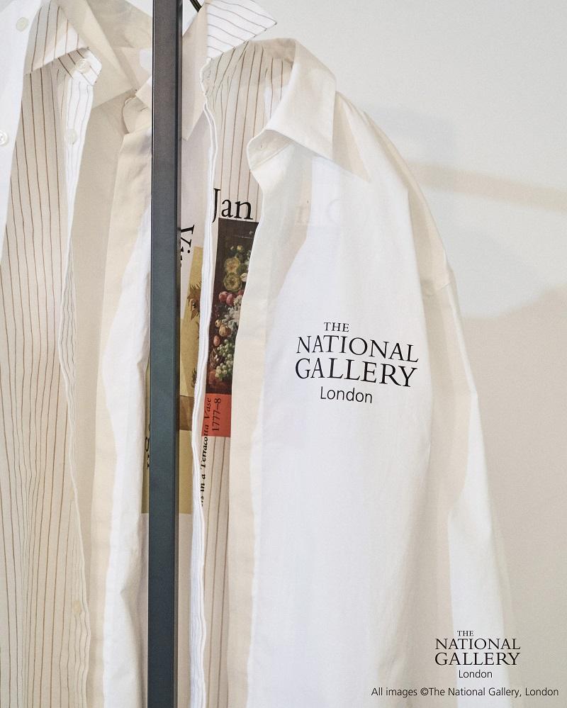 リリーブラウンのコラボ白シャツ
