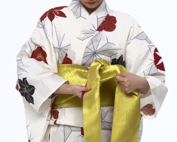 【わかりやすい動画付き】浴衣のセルフ着付け・帯の結び方 - 一人でできる! 女性の浴衣の着方は?_50