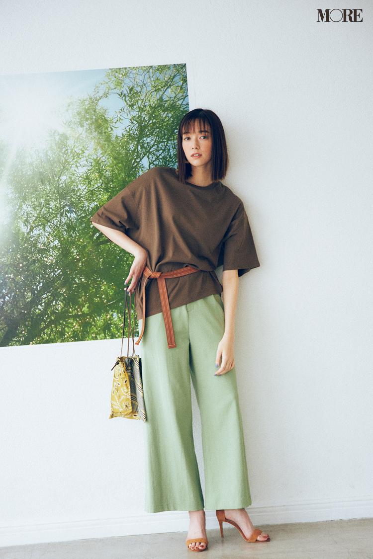 【今日のコーデ】<佐藤栞里>ミントグリーンのパンツにはブラウンのTシャツ。暑さの残る9月はチョコミント配色で♪_1