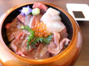 淡路牛肉と淡路島産の魚が一緒に食べれる丼♡