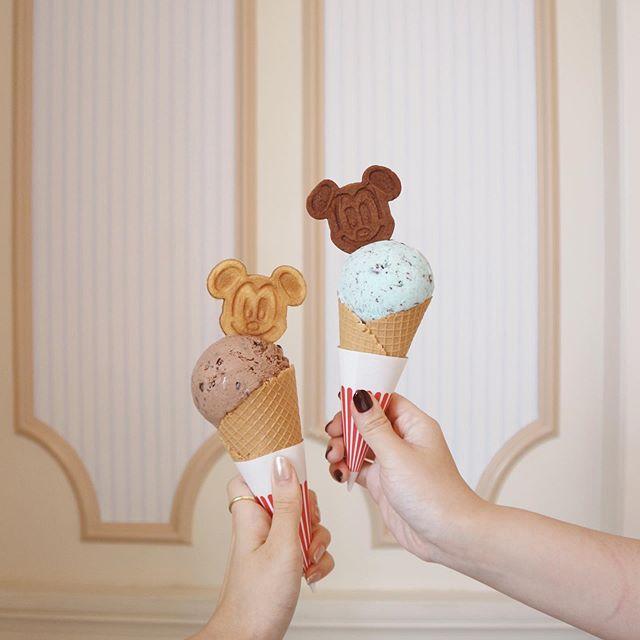 Premiumインフルエンサーズのインスタ拝見! 荒川奈津美さんが、『東京ディズニーランド』で必ず食べるアイスはこれ♡_1