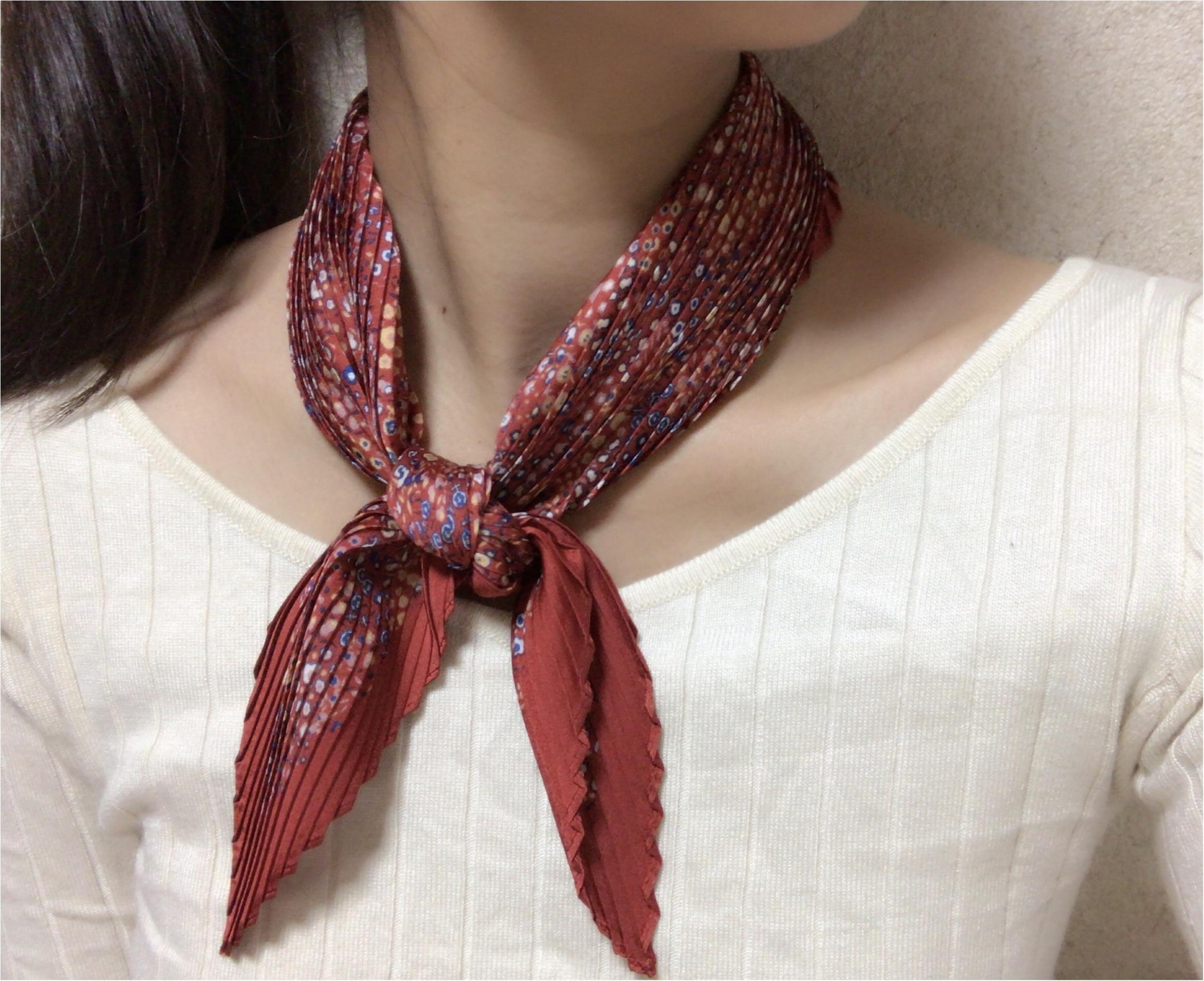 《もうGETした?》春に向けて手に入れたい‼︎プチプラなのに高見えな『シルキープリーツスカーフ』が【ユニクロ】で590円✨_3
