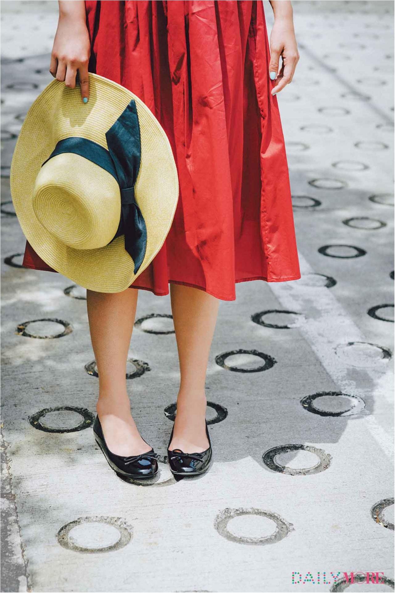 【2017年秋のおすすめ『ユニクロ』コーデ9】 鮮やか色のフレアスカートやバレエ靴でパリっぽくて上品なコーデ