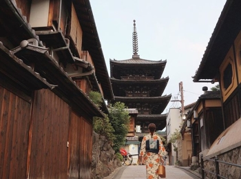 Premiumインフルエンサーズのインスタ拝見! 荒川奈津美さんは、「てくてく京都」のレンタル着物で紅葉シーズンの街を散策♡