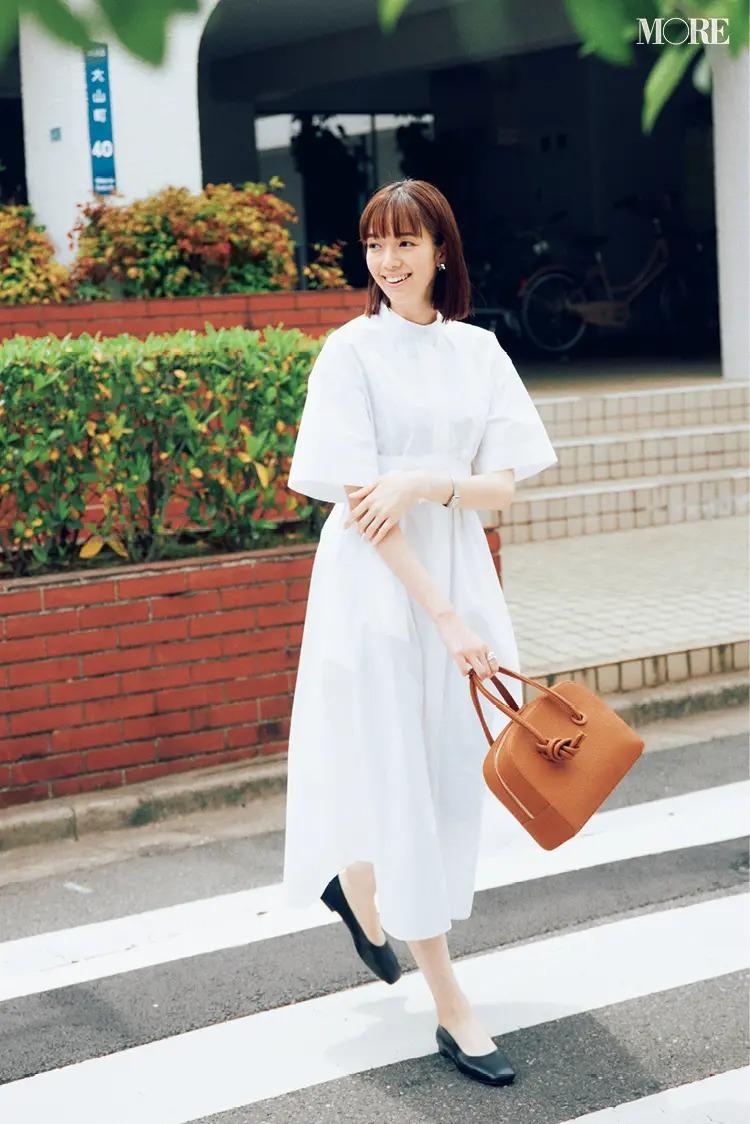 【ワンピースコーデ】白いシャツワンピース一枚で着るコーデ