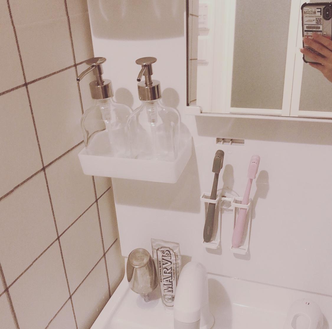 【賃貸インテリア】ふつうの独立洗面台でも諦めない!壁紙をチェンジしておしゃれにアップデートしてみた。_3