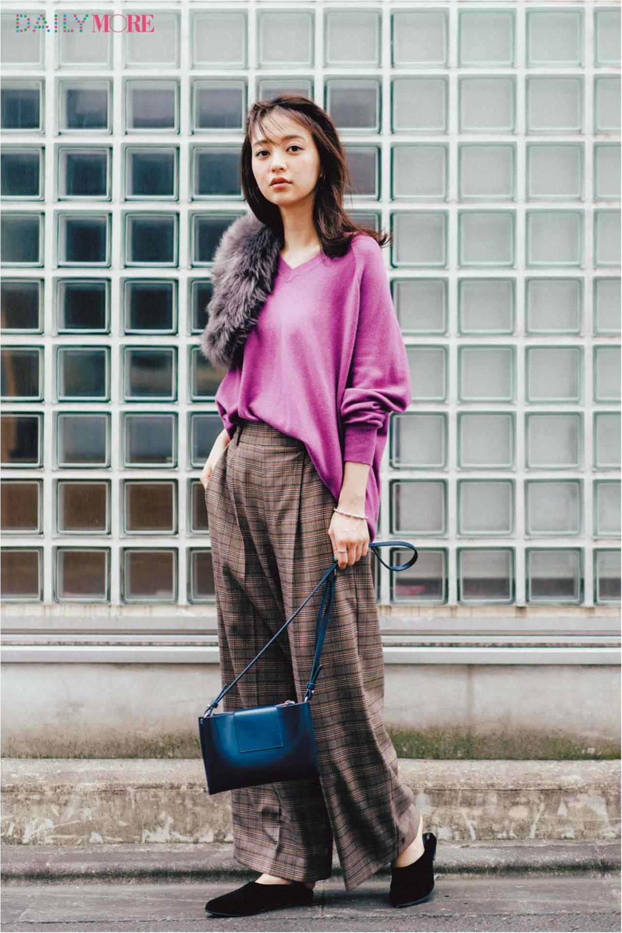 【今日のコーデ/逢沢りな】きれい色のVネックニットの出番。マニッシュなワイドパンツだって女っぽ仕上げ♡_1