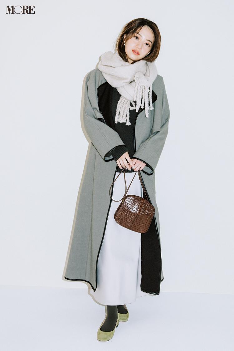 【今日のコーデ】<逢沢りな>取引先に年末の挨拶まわり。モノトーンの装いに千鳥格子柄コートで気品を添えて_1