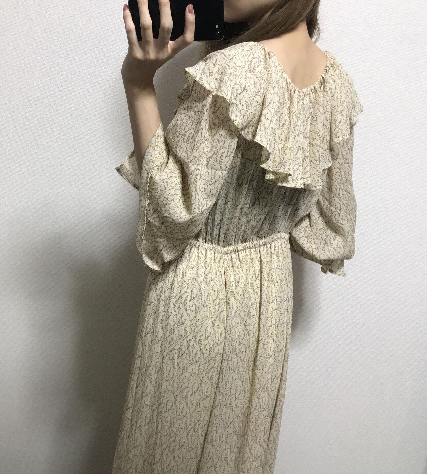 乾ひかり(「電車のおじさん」をイメージした服を着用01)
