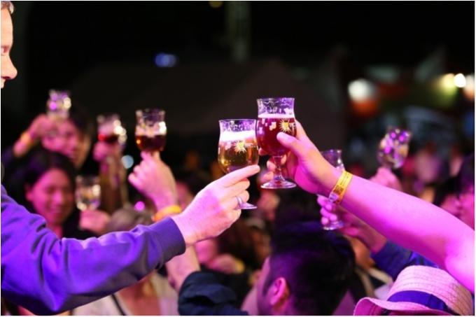 ピンクのフルーツビールが可愛すぎる!! 98種類のベルギービールで乾杯@オープンビアテラス_4