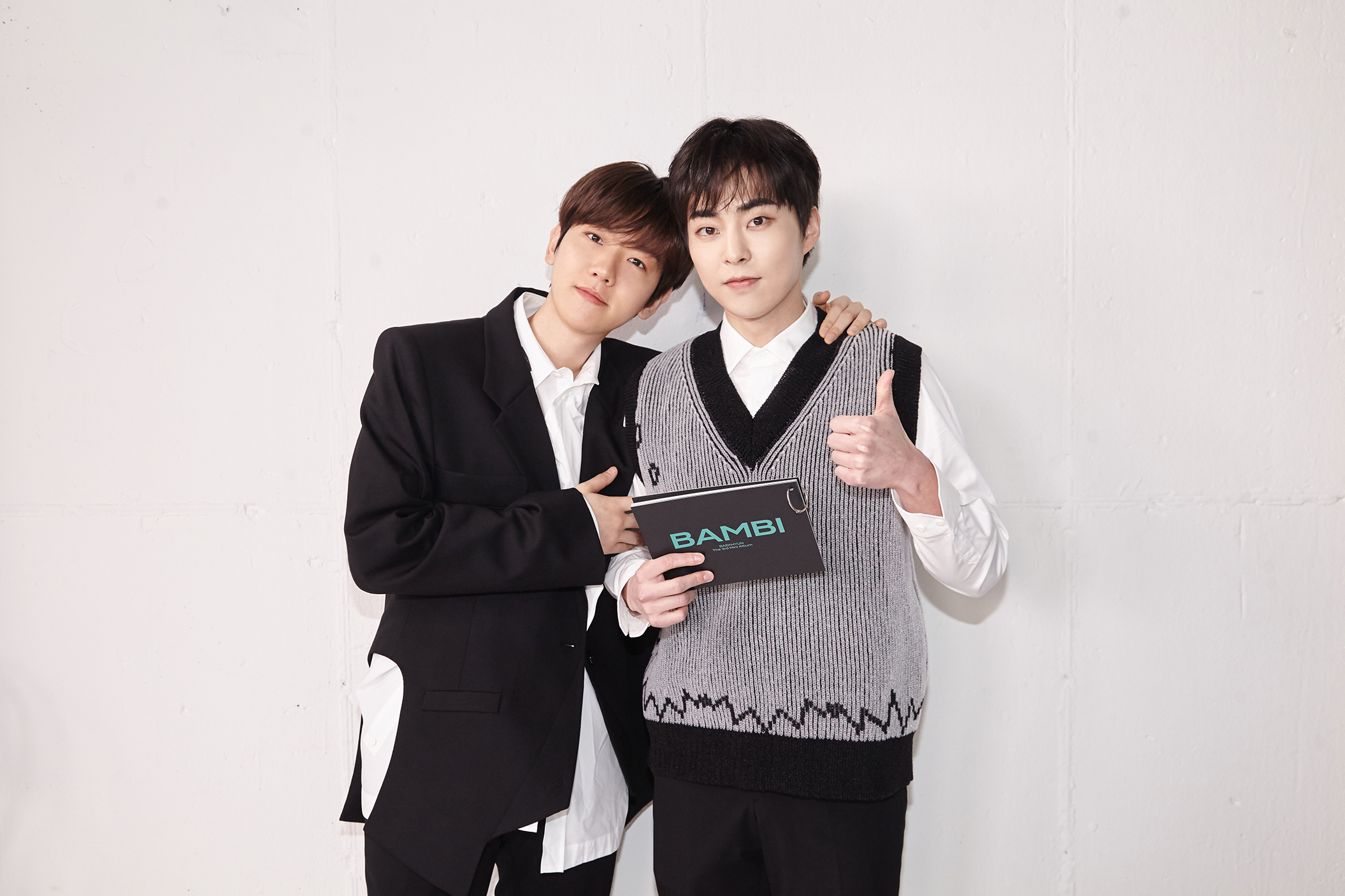 EXOのベクヒョンとシウミン
