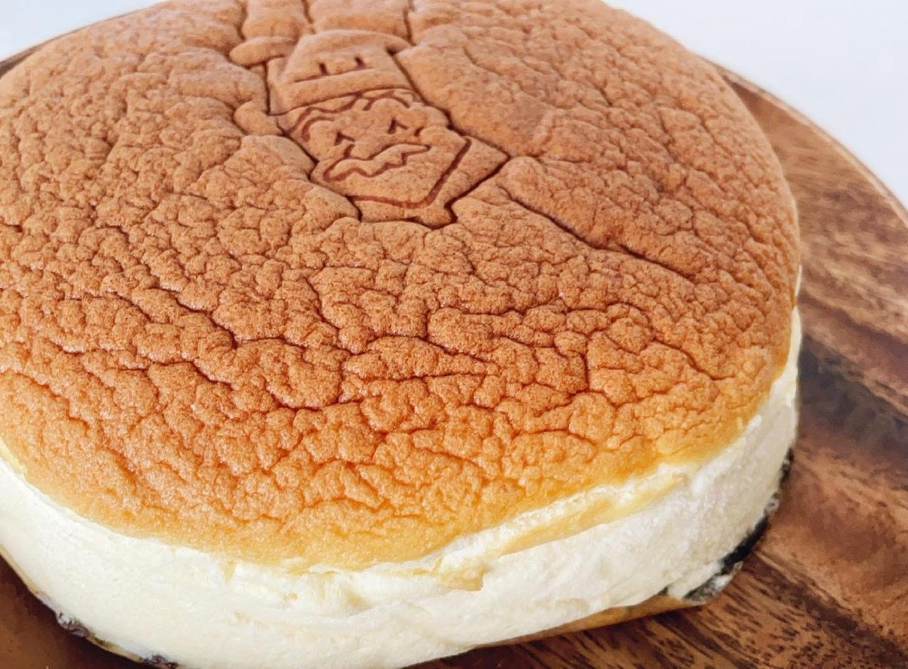 【まだ食べてないの?大阪に行ったら買わないと損!】ぷるふわ食感の絶品スフレチーズケーキ_3