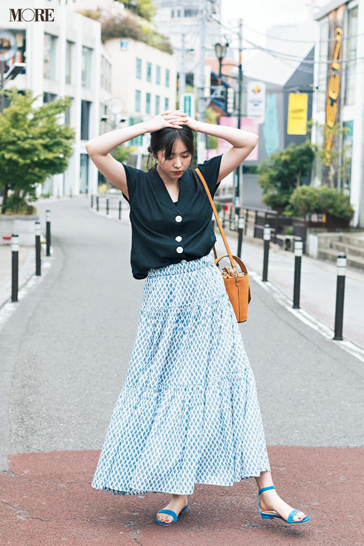 【今日のコーデ】<唐田えりか>早起きした日は朝活→出勤!柄スカートに鮮やかなサンダルで上級者っぽく_1