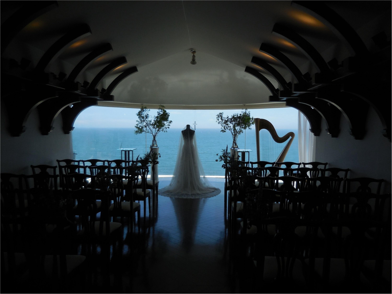 海が大好きなのでチャペルも披露宴会場も海が近いところを選びました!_2