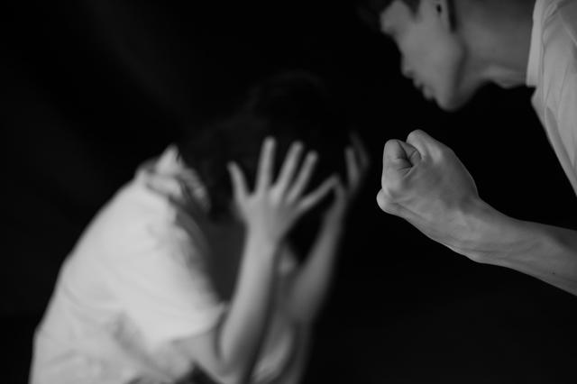 セックスとお酒で共依存関係に? 3か月でスピード婚したKさんの話【モア・リポート14】_2