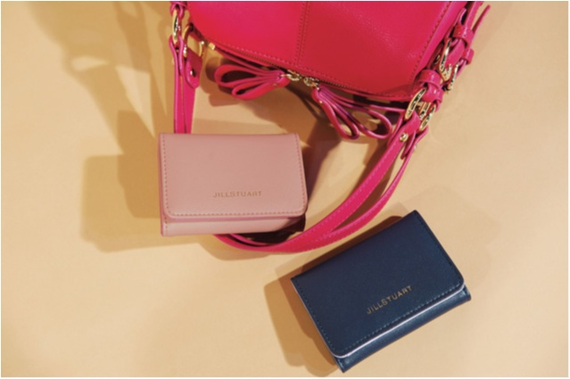 【NEWS】モア11月号の付録は『ジルスチュアート』の三つ折り財布!! ピンクとネイビーから色が選べます♪_2