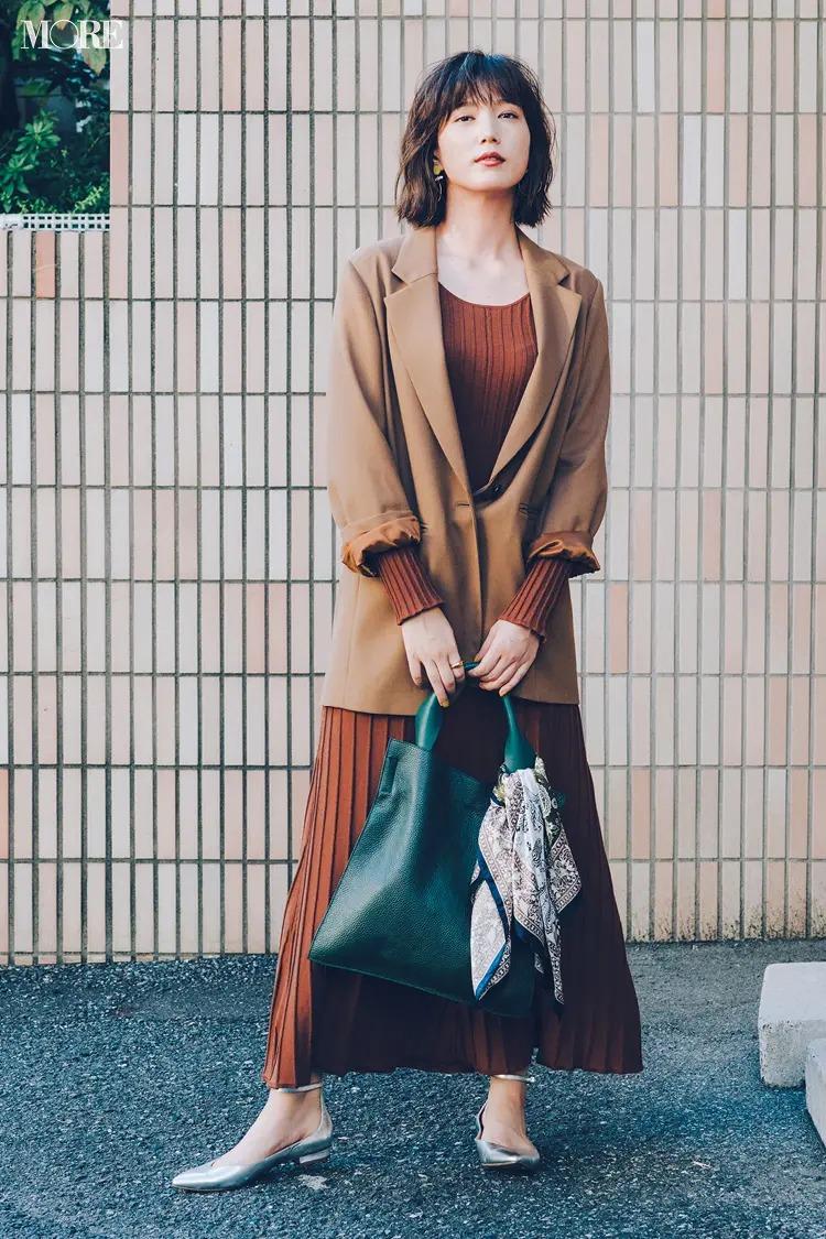 【ジャケットコーデ】ブラウンワンピース×茶系ロングジャケット