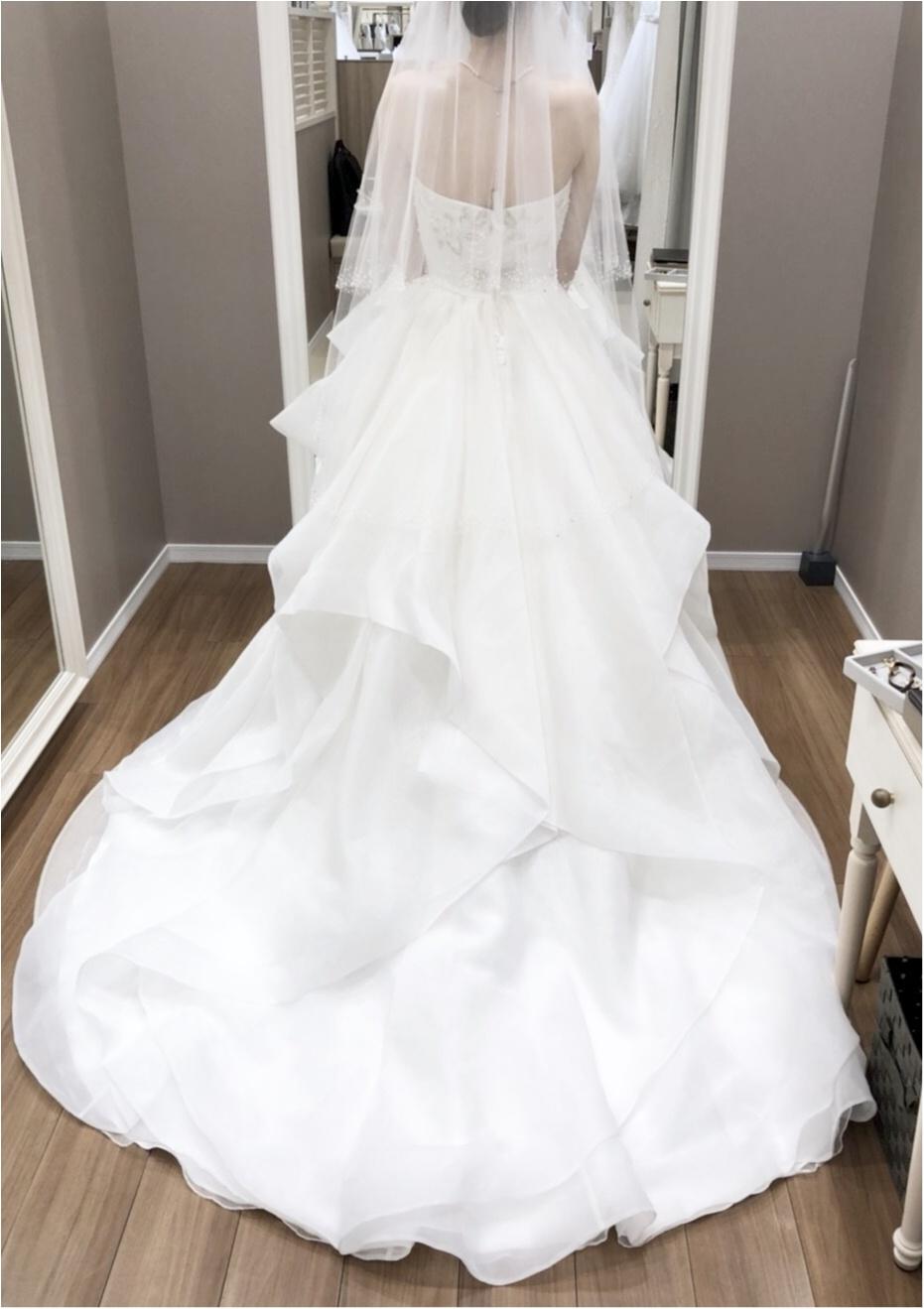 卒花さんに聞く【ドレス特集】-  結婚式・二次会におすすめ! プレ花嫁さんに人気のおしゃれなウェディングドレスは?_39