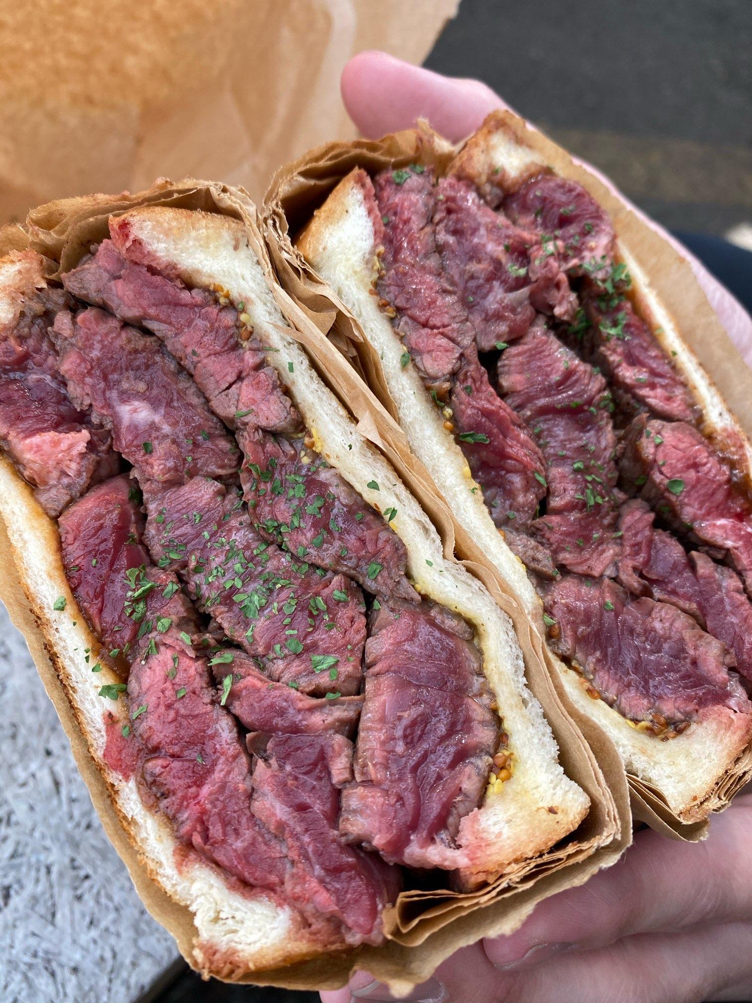 【東京】驚くほど肉厚♡ミートサンドを食べてきました_1
