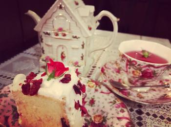 お洒落な食器が選べる!お花のケーキが可愛い!フォトジェニックすぎるカフェ《シャンソニエ アコリット》