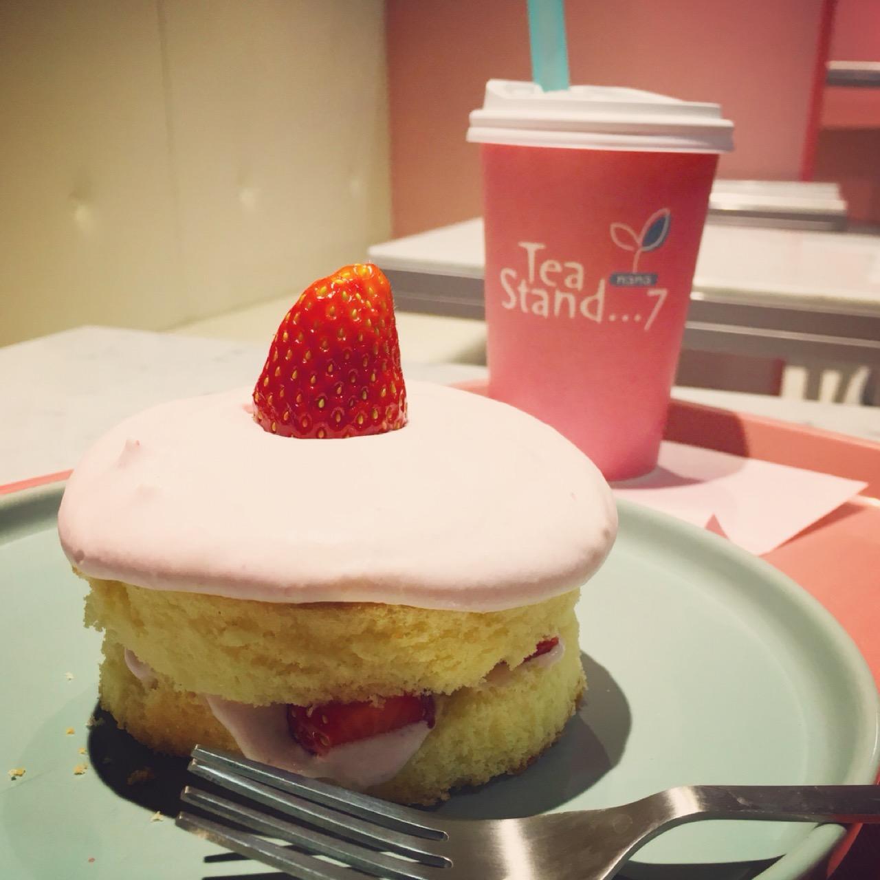 """ピンク尽くしのキュートなカフェ""""Tea Stand 7""""へ乙女のクリスマスケーキ食べに行ってきました!♡_3"""
