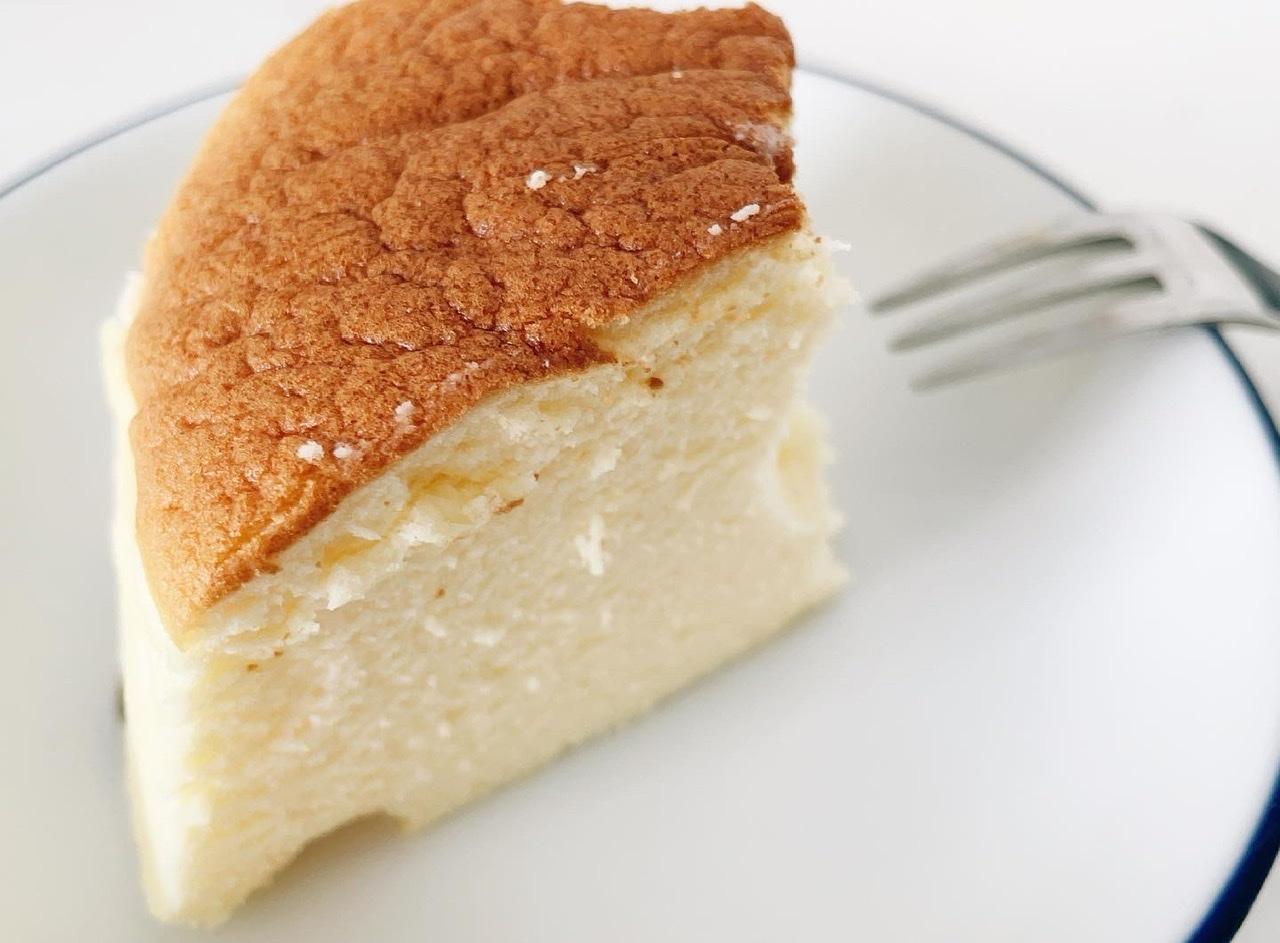 【まだ食べてないの?大阪に行ったら買わないと損!】ぷるふわ食感の絶品スフレチーズケーキ_1