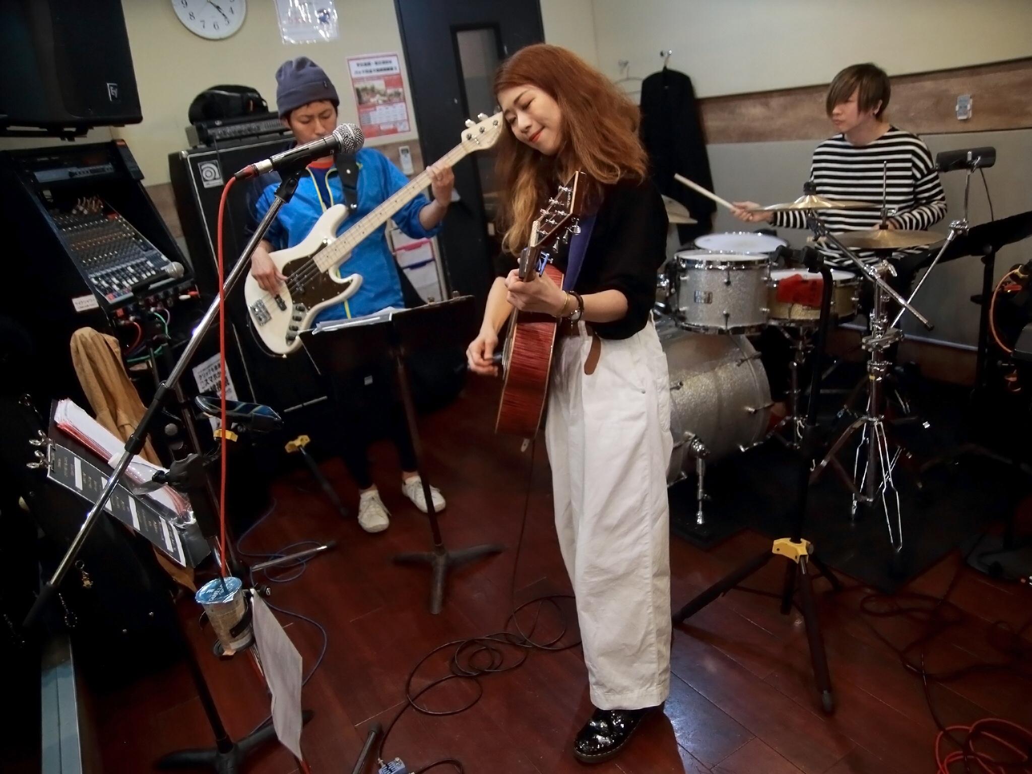 【秋から冬服へ】シンガーソングライターうたうゆきこのLive photo【ファッション】_2