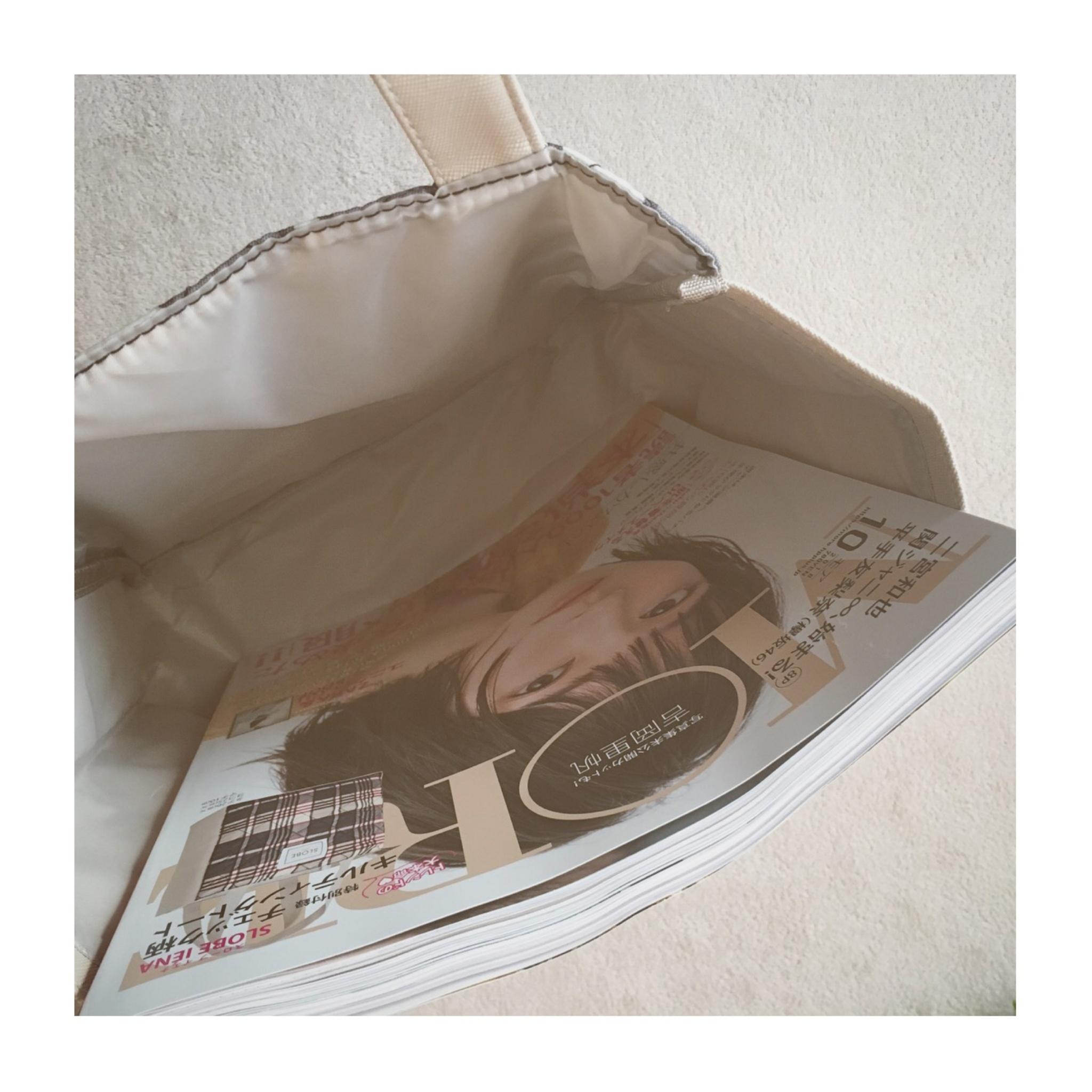 《本日8/28発売!》【MORE10月号】は豪華付録SLOBE IENAのトートバッグ付き❤️_2