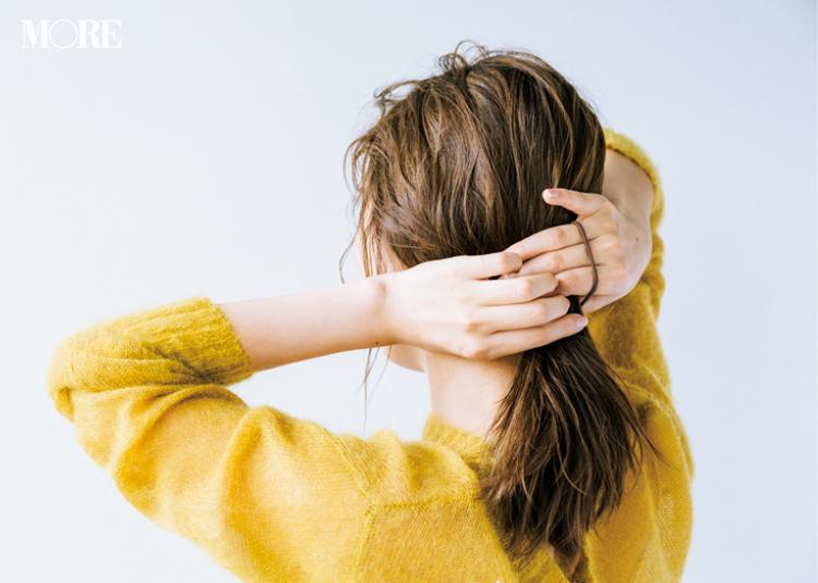 ふわふわモヘアニットに似合う髪型は、エアリーなひとつ結び! 内田理央といっしょにレッツヘアアレンジ♪ ヘアスタイリング剤のおすすめも_2