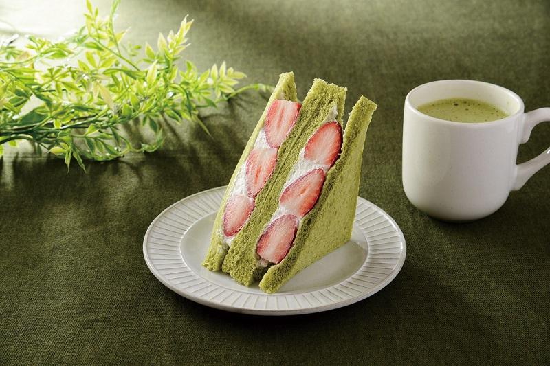 『ローソン』最新いちごスイーツ2 「いちごミルクサンド ~抹茶入り食パン使用~」