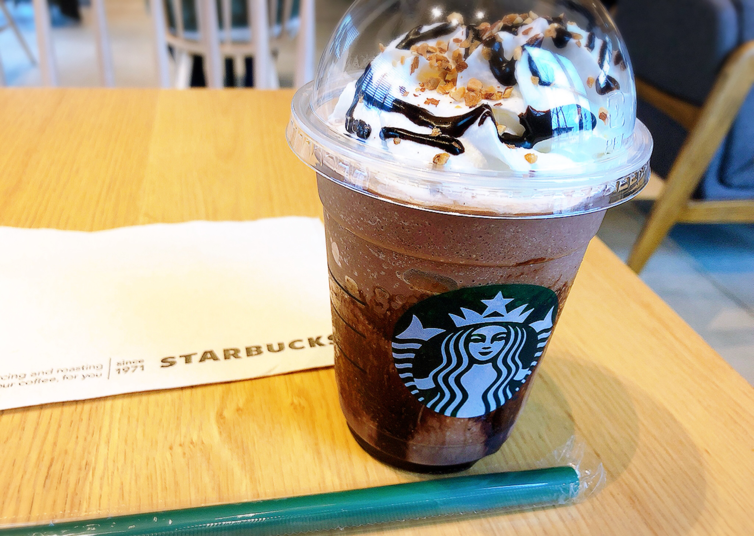 【#スタバ】本日1/17〜☆!チョコレート×アーモンド( ´ ▽ ` )♡新作のフラペチーノをいただいてきました♩_3